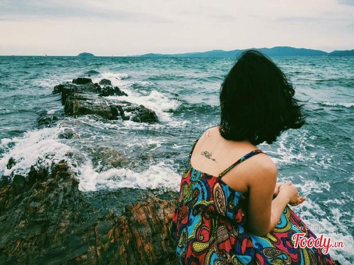 Đến với bãi biển Vàn Chảy Cô Tô bạn sẽ có những giây phút thư giãn thú vị